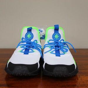 sale retailer 71e6c cd7e4 Nike Shoes - Nike Air Huarache Drift Scream Green